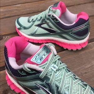 Women's BROOKS GTS 16 Running Shoes